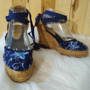 Strappy wedge blue embroider sandals shoes sz 8